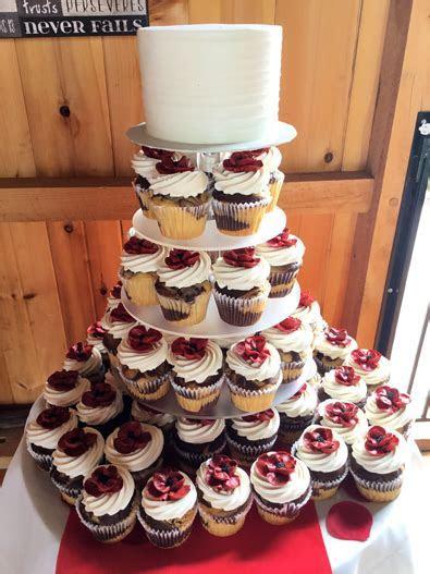 Cakes and Cupcakes York PA. Wedding cake and cupcake