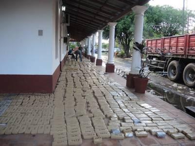 Los 2543 kilos de marihuana incautados del camión de una sobrina del gobernador de Formosa, Gildo Insfrán.
