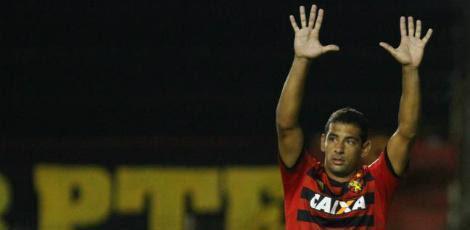 Diego Souza tem 31 anos e tem passagem pela seleção brasileira em 2009 / Acervo JC Imagem