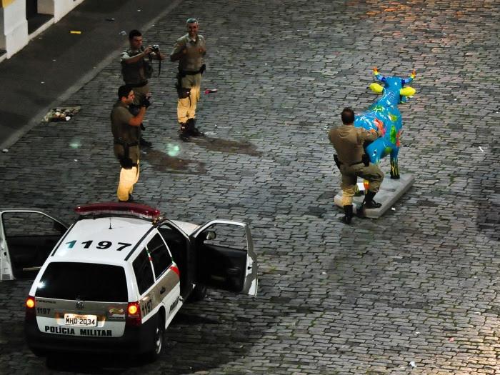 policial-cow-parade-G