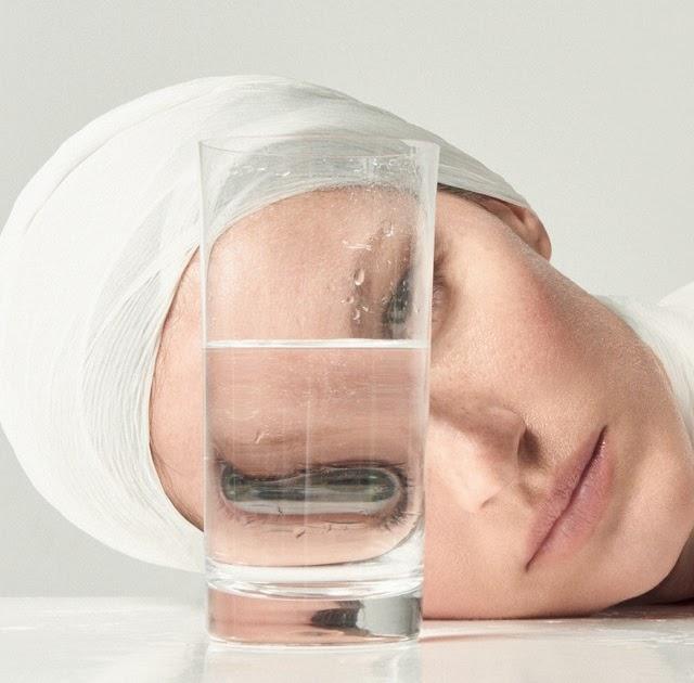 12 mitos e verdades sobre hidrata o da pele. Black Bedroom Furniture Sets. Home Design Ideas
