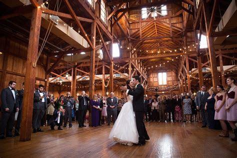 Kuhlken Photographers   Beautiful Barn Wedding   Chris and