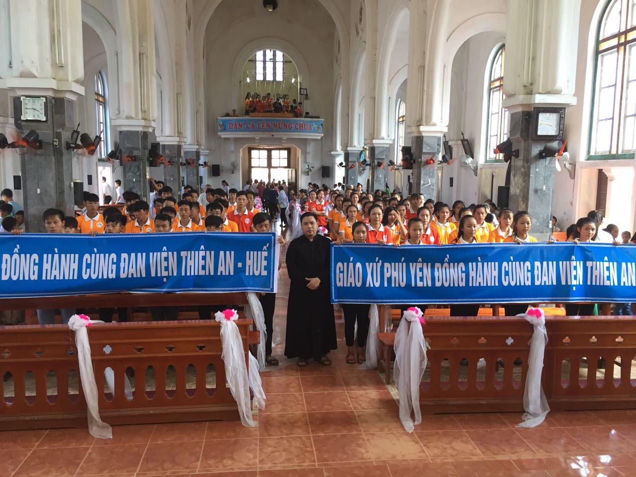 Giới trẻ giáo xứ Phú Yên đồng hành cùng Đan viện Thiên An