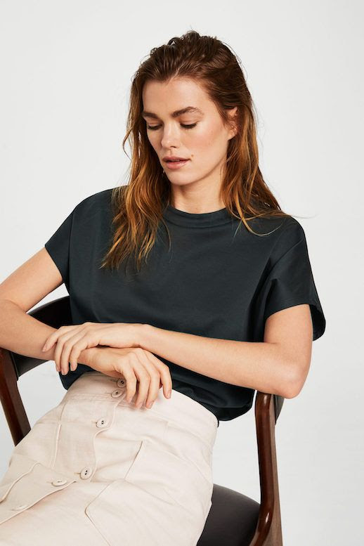 Linen Button Front Skirt Boxy Organic Cotton Navy Tee T-shirt  Spring Summer Style Outfit Idea Le Fashion Blog Mango 2018