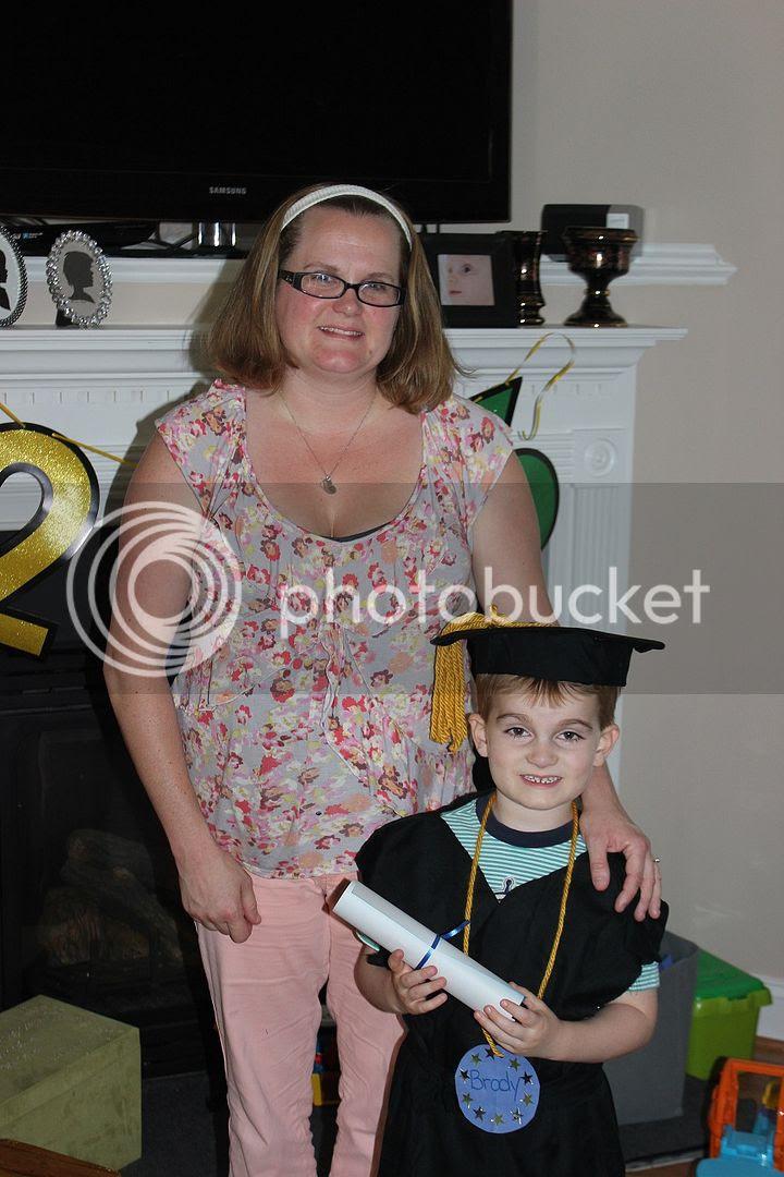 photo graduate8_zpsyvhe0plv.jpg