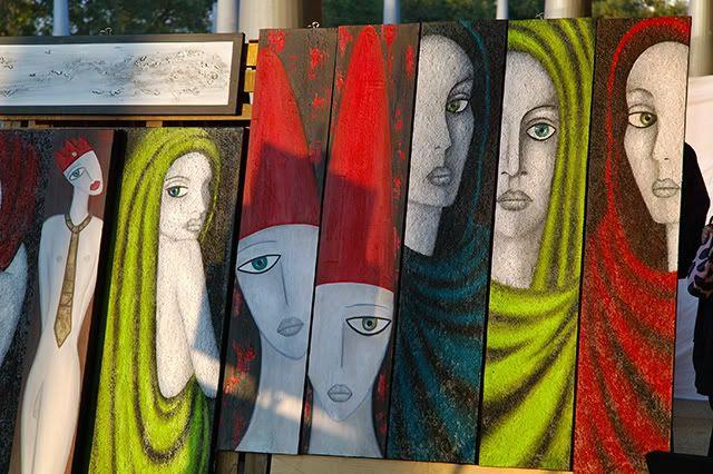 Women Paintings at Maremagnum Promenade, Barcelona [enlarge]