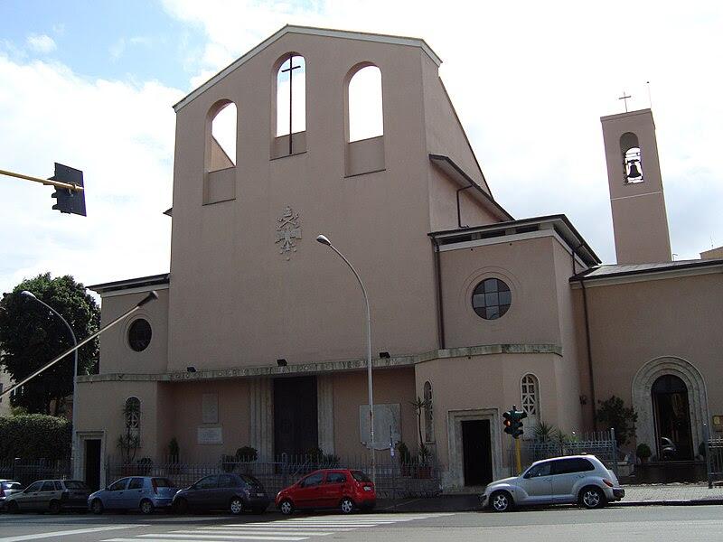File: Eglise Santi Fabiano e Venanzio.JPG