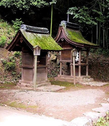 Ujigami shrines.jpg by lao_ren100