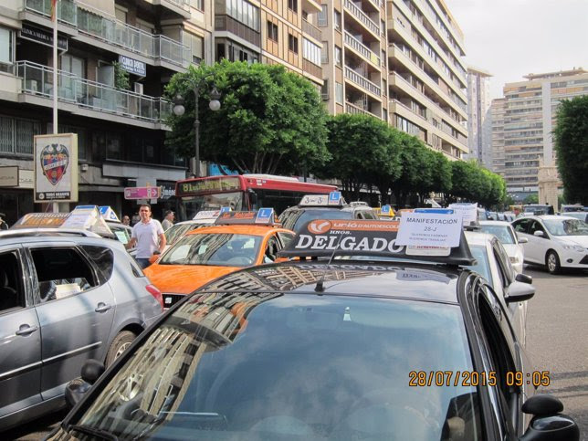 Manifestacion profesores de autoescuela Valencia