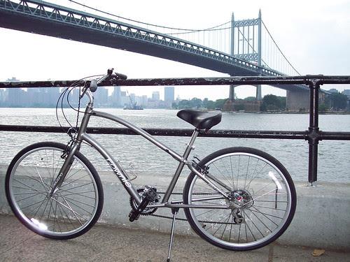 Matt Berg's Electra / Townie 21 in Manhattan by trudeau