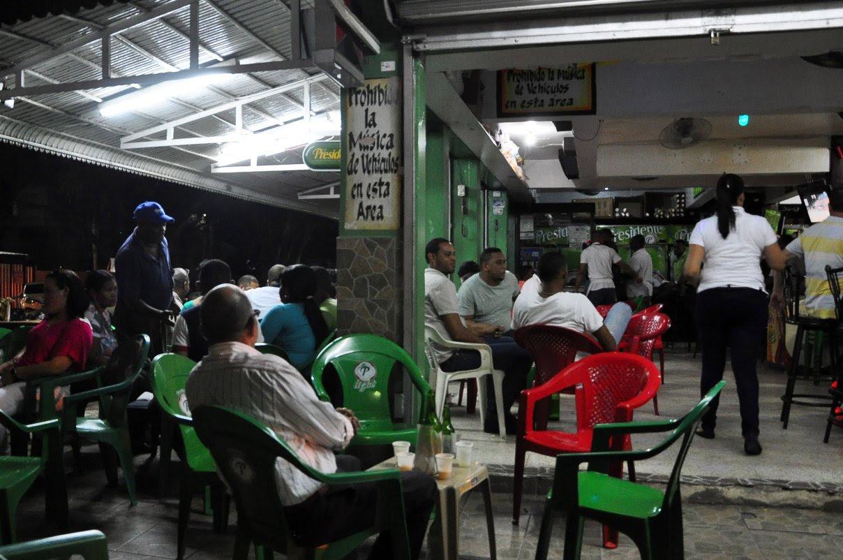 Aplicarán medidas drásticas a negocios violen horario de bebidas