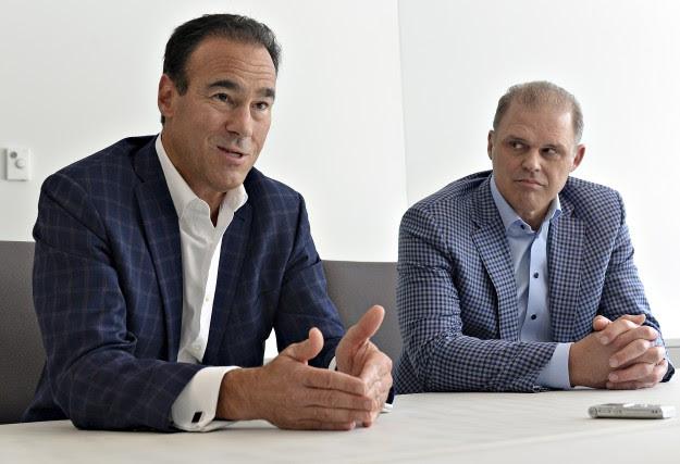 Pierre Dion, chef de direction de Québecor,et Benoît...