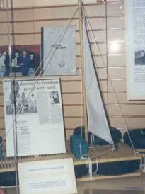 Chiếc bè được trưng trong viện bảo tàng Nam Úc