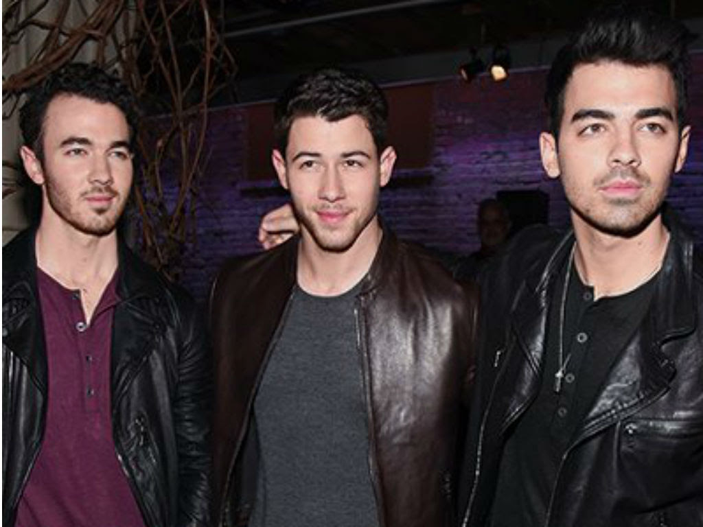 jonas-brothers-reunion-and-new-single-sucker-news-sends-fans-into-a-frenzy