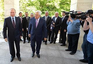 СПрезидентом Палестины Махмудом Аббасом.