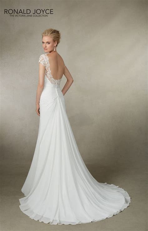 1000  ideas about Structured Wedding Dresses on Pinterest