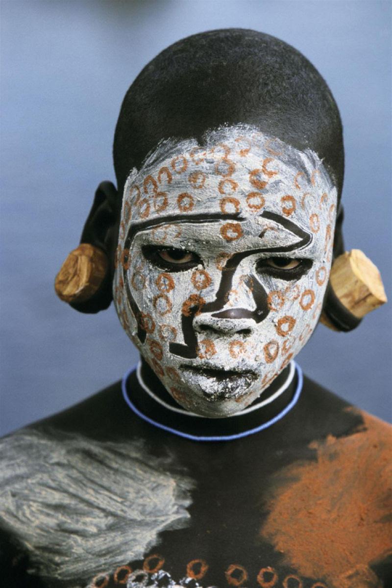 A beleza das Tribos Surma e Mursi, uma cultura em perigo, no sul de Etiópia 36