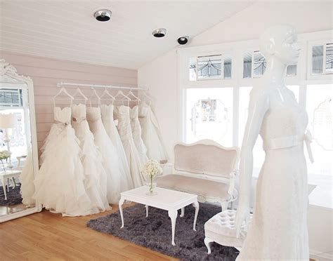 Paperswan Bride, Wellington, NZ   A Little Bridal Shop