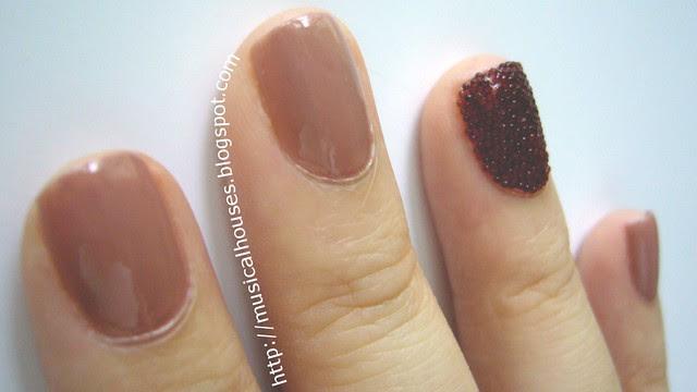 ciate caviar manicure inspired look 4