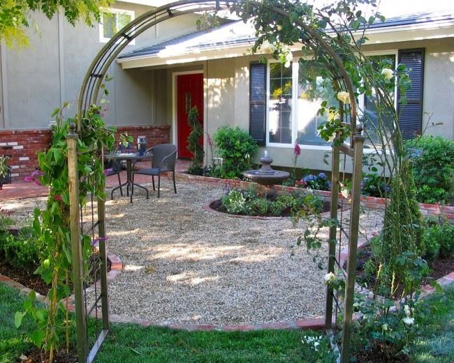 Giardini arredamento pavimenti ghiaino per esterno for Arredamento etnico economico