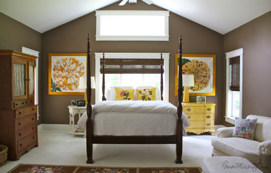 Country House: Brown and yellow master bedroom | House Mix