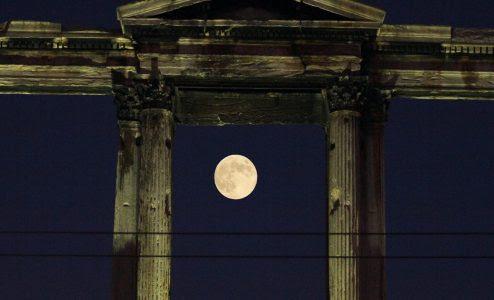 Image result for Πανσέληνος του Σεπτεμβρίου στους Στύλους του Ολυμπίου Διός