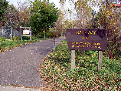 South entrance to the Gateway Trail