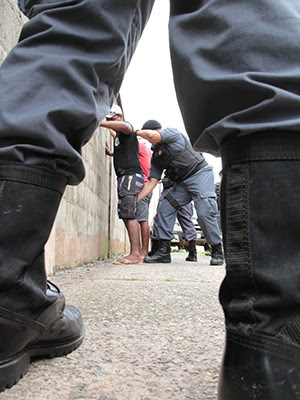 Operação da Polícia Militar realiza revistas em áreas de risco de São Luís (Foto: Biaman Prado / O Estado)