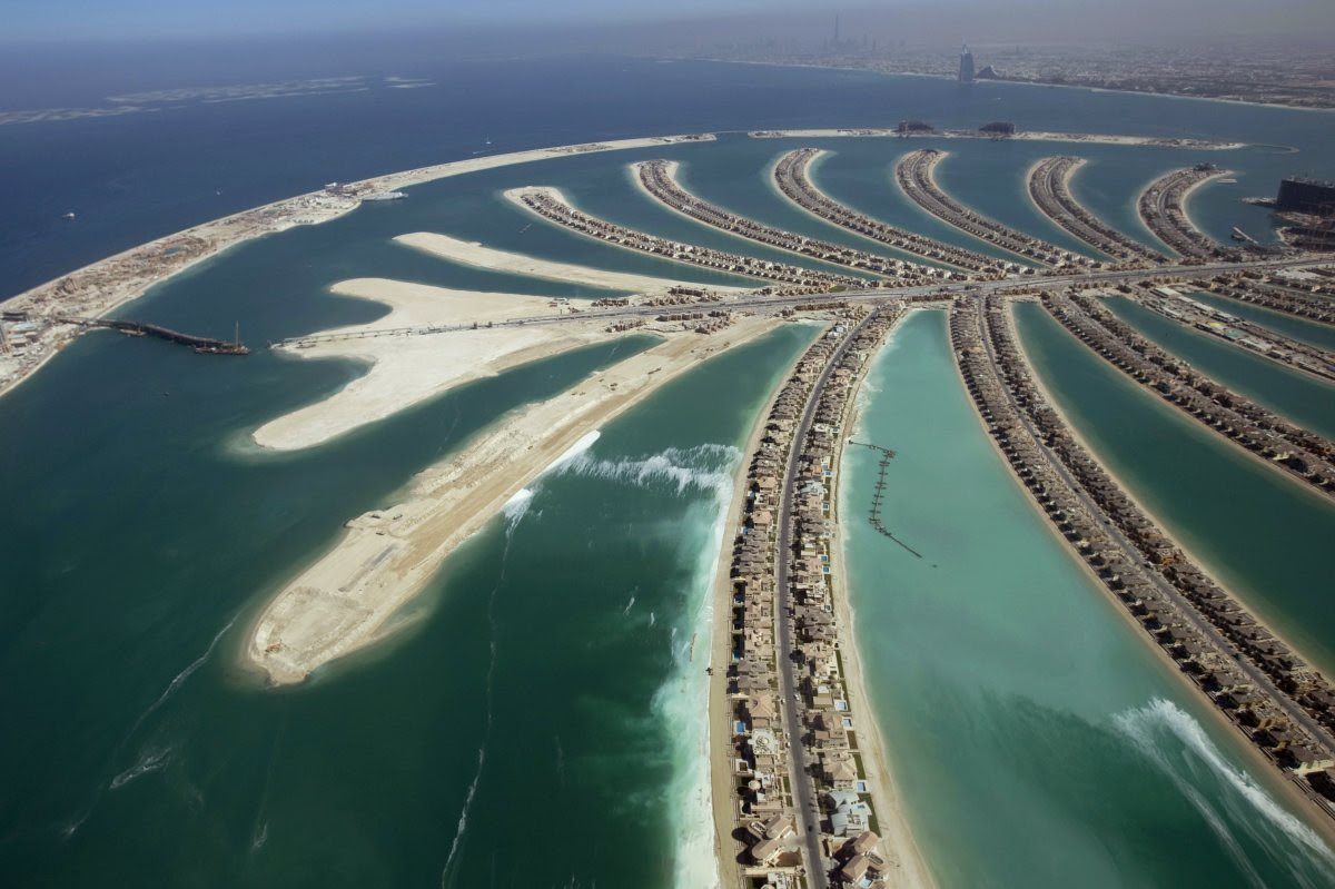"8. They say, the ruler of Dubai, Sheikh Mohammed bin Rashid Al Maktoum has decided that the city needs a ""backup plan"" income when the oil runs.  Off the coast of the island built three to provide land for real estate premium class hotels and l in the world, Dubai, Beauty"