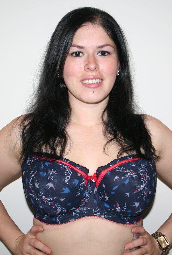 Sexy sluts sucking