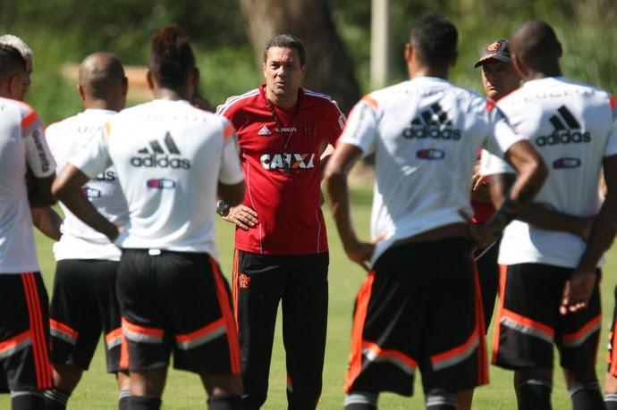 Luxemburgo comanda Flamengo no Ninho do Urubu (Foto: Gilvan de Souza/ Fla Imagem)