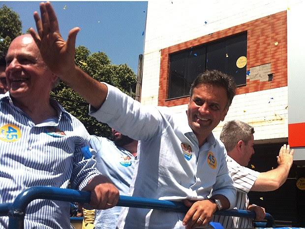 Aécio Neves faz carreata na cidade mineira de Ipatinga. (Foto: Patrícia Belo/G1 Vales de Minas Gerais)