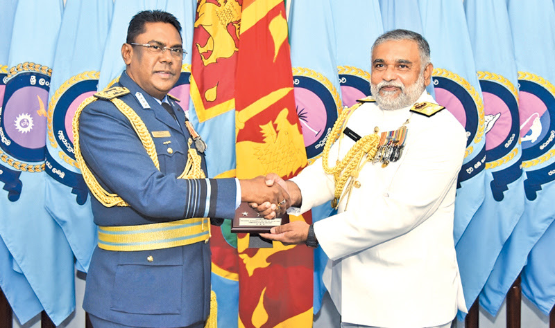 Courtesy call on Air Force Commander
