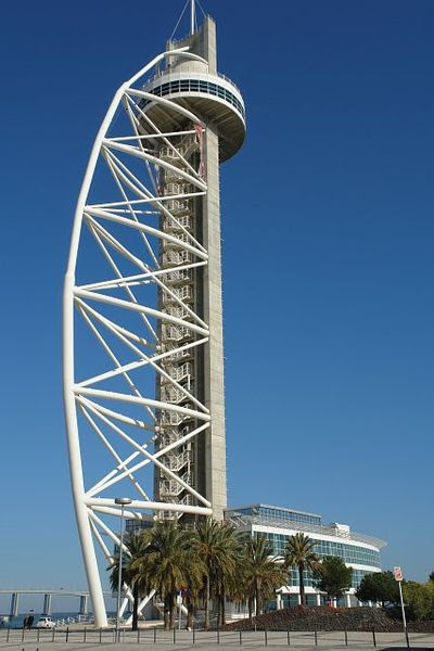 File:Torre Vasco da Gama 02.JPG