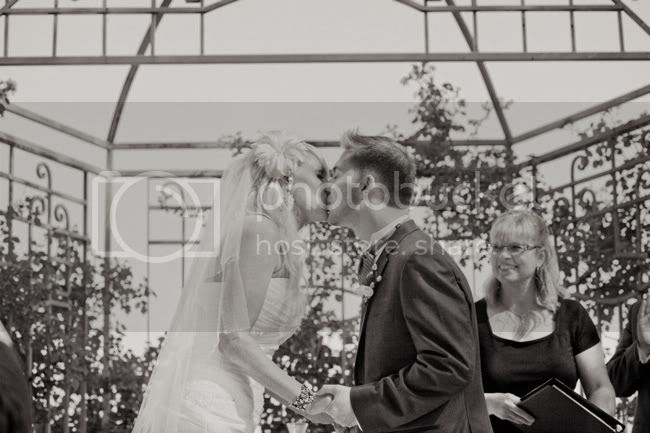 http://i892.photobucket.com/albums/ac125/lovemademedoit/SandA_Ceremony_223.jpg?t=1321858542