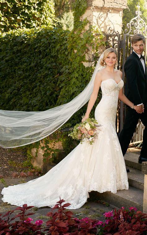 Fit and Flare Strapless Wedding Dress I Essense of Australia
