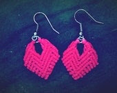 Macrame Earrings Hearts in Beautiful Cerise - TheHouseOfMacrame