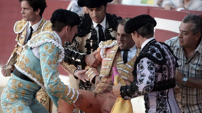Resultado de imagen para Muere el torero Iván Fandiño tras recibir una cornada en una plaza en Francia
