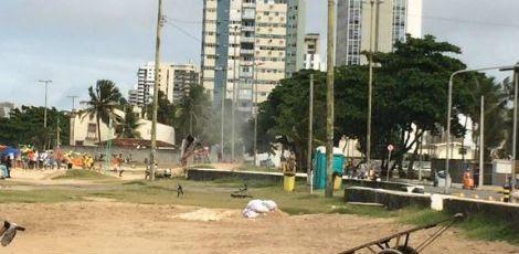 Explosivos foram detonados na praia de Piedade
