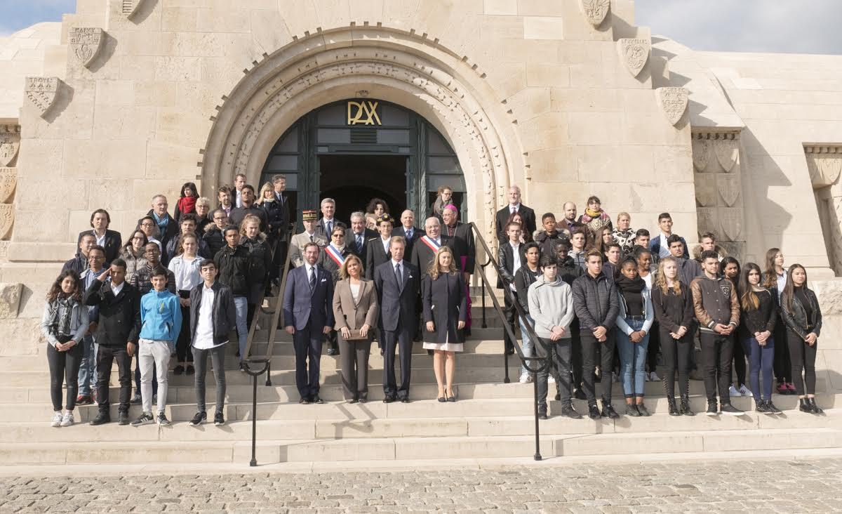 Visite Grand Ducale à Verdun. Ossuaire de Douhaumont et la maison de la paix à Verdun. © Cours Grand Ducale / Olivier Polet