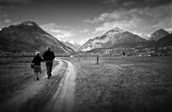 Street Photography: Walking Together by Silvia Ganora