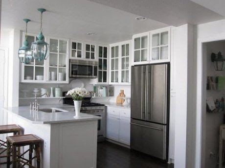 small kitchen ideas.. knock down wall to make it into a peninsula
