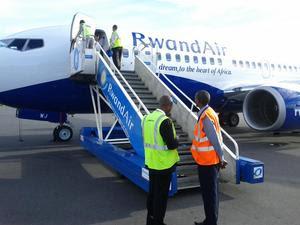 Rwandair's first 737-700