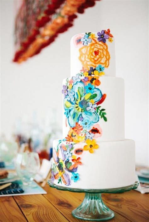 17 Tropical Wedding Cakes Perfect for Summer Weddings