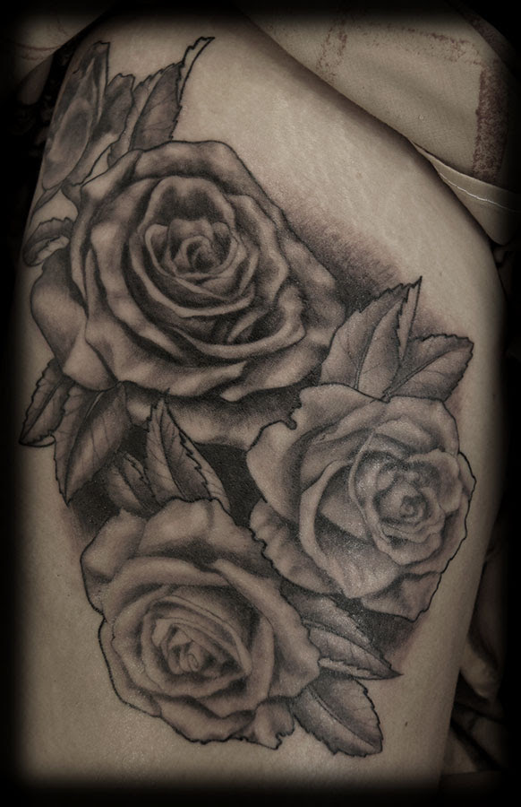 Black N Grey Daisy Tattoo On Shoulder In 2017 Real Photo Pictures