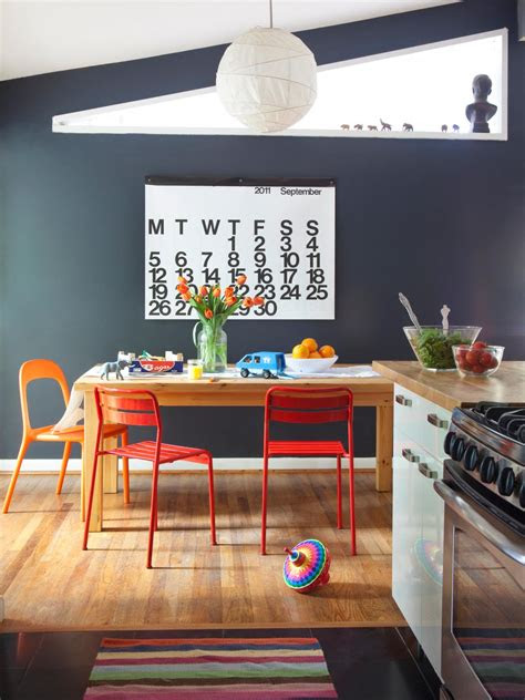 ways  dress   dining room walls hgtvs