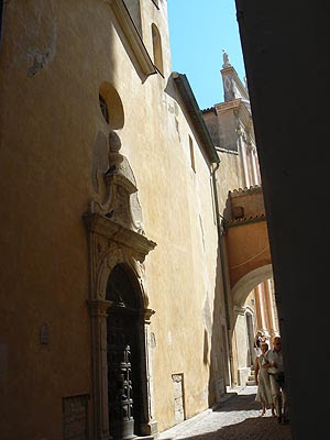 chapelle des pénitents blancs.jpg