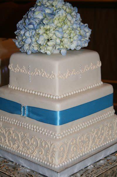 hydrangea wedding cakes   A Wedding Cake Blog
