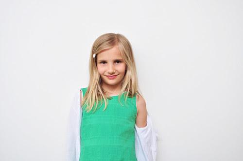 groene jurk glamorously gedragen