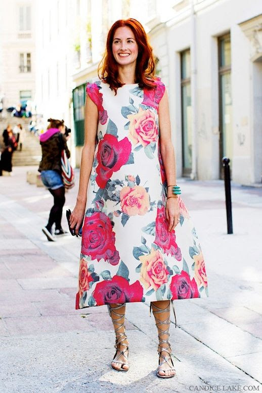 Le Fashion Blog 15 Ways To Wear Floral Prints Taylor Tomasi Hill Street Style Oversized Print Dress Lace Up Silver Gladiator Sandals Via Candice Lake photo 15-Ways-To-Wear-Floral-Prints-Taylor-Tomasi-Hill-Street-Style-Oversized-Print-Dress-Silver-Sandals-Via-Candice-Lake.jpg